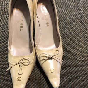Chanel tan leather heels